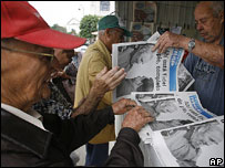 Newspaper stand, Havana, January 2007