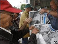 Newspaper stand, Havana, January 2007