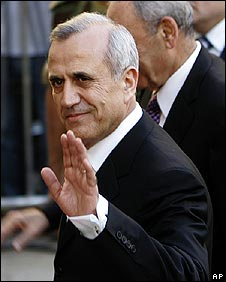 The newly-elected Lebanese president, Michael Suleiman, arrives at   the Lebanese parliament on 25 May 2008